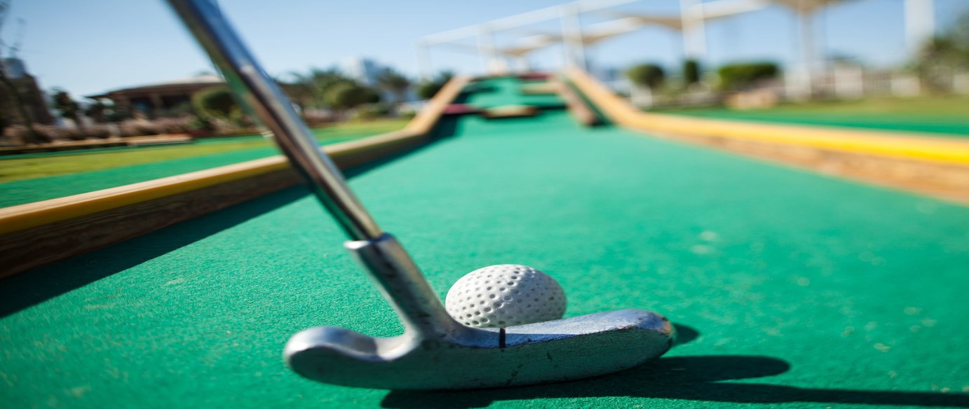 <p>Create your own family team and enjoy 18 holes of fun filled mini golf around this interactive and exciting course. Keep score and see who is going to be the next Tiger Woods!</p>